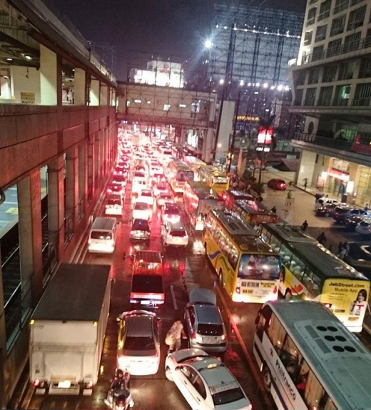 Metro Manila Traffic2